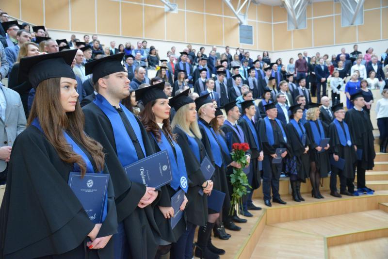 """R. Šimašius VGTU absolventams: """"Vilnius atviras jūsų žinioms bei ambicijoms ir laukia jūsų"""""""