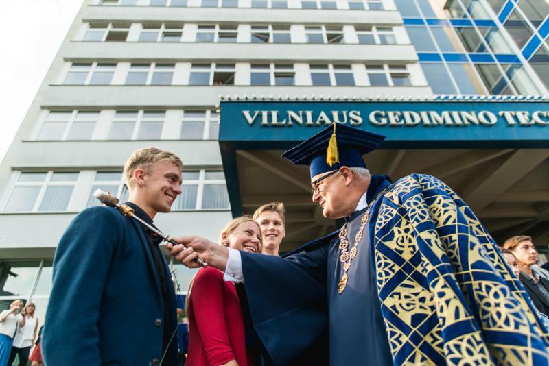 VGTU rektoriaus A. Daniūno sveikinimas rugsėjo 1-osios proga