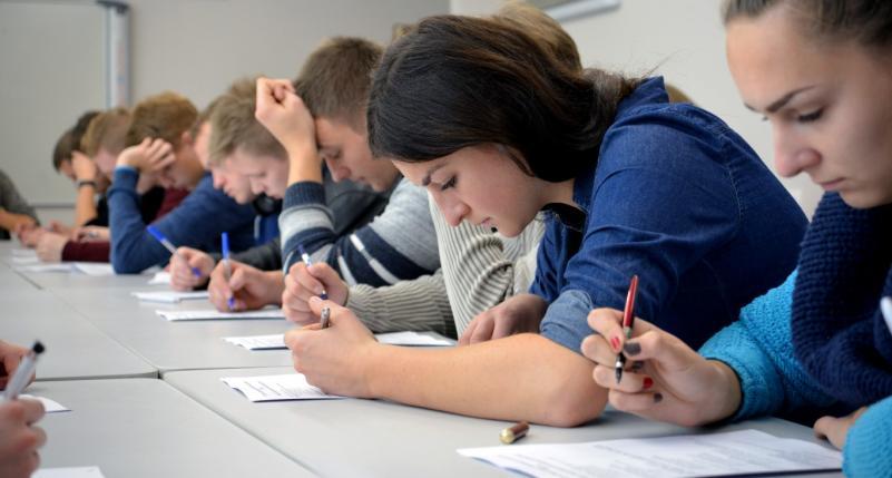 Registracija į laisvai pasirenkamus studijų dalykus studentams, įstojusiems iki 2016 m., visiems ištęstinių studijų studentams ir visiems magistrantams
