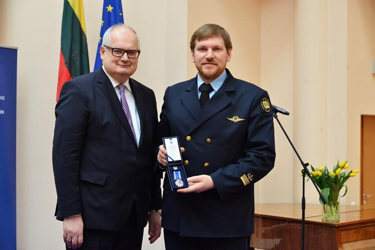 """Dr. Dariui Rudinskui - apdovanojimas """"Už nuopelnus Vilniaus Gedimino technikos universitetui"""""""