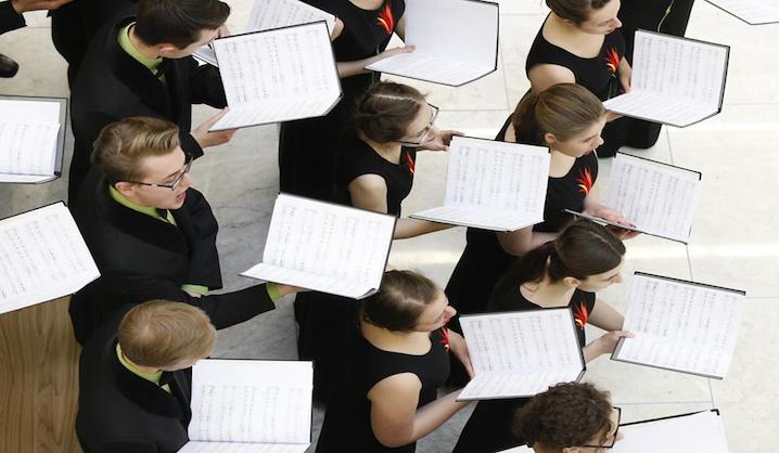 """VGTU akademinis choras """"Gabija"""" dalyvavo Nacionalinės Lietuvos bibliotekų savaitės renginyje: """"Chorinės muzikos koncertas"""""""