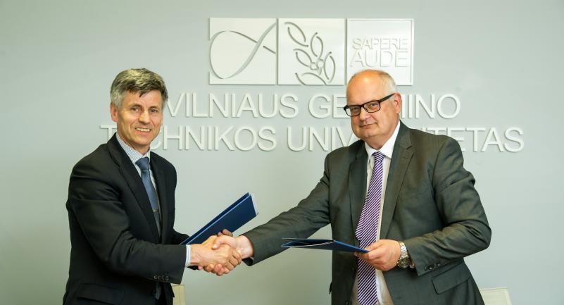 """Bendradarbiavimas BIM srityje: VGTU pasirašė sutartį su VšĮ """"Skaitmeninė statyba"""""""