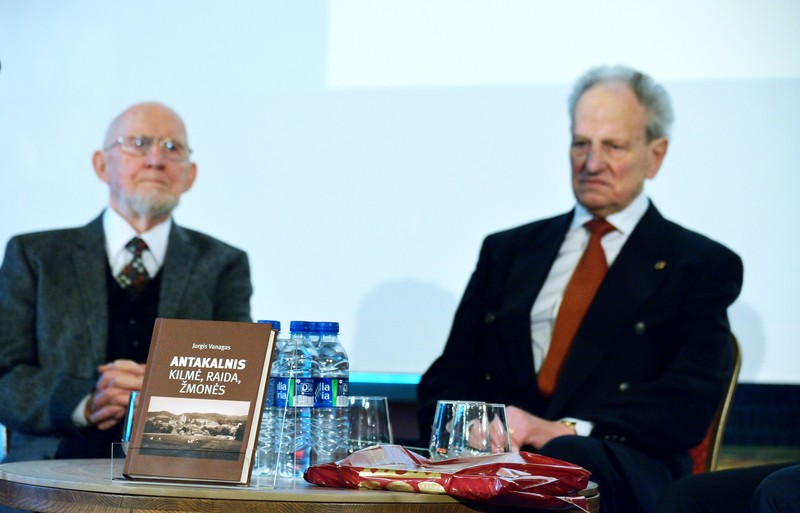 Valdovų rūmuose – VGTU emerito J. Vanago knygos pristatymas