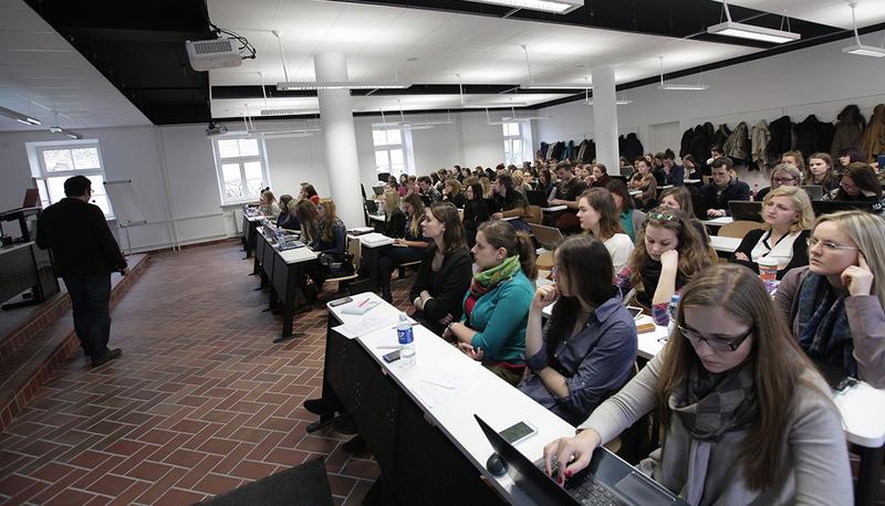 Gerosios Erasmus+ patirtys: kai studentai į fakultetą paskaitų skaityti pakviečia užsienio dėstytojus