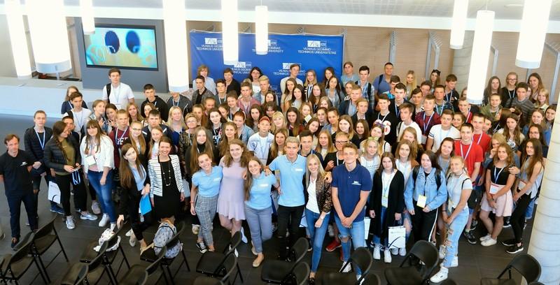 Vyko Verslo vadybos fakulteto organizuotas renginys mokiniams