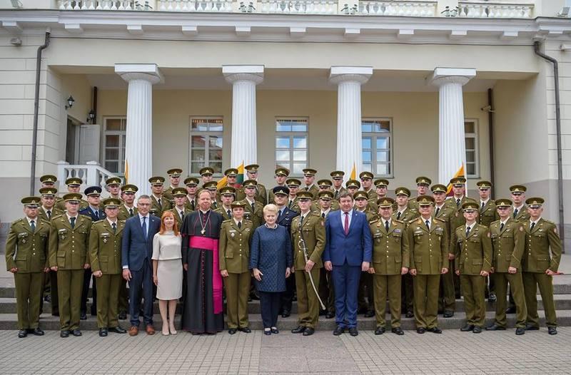 VGTU AGAI absolventams – pirmasis karininko-leitenanto laipsnis