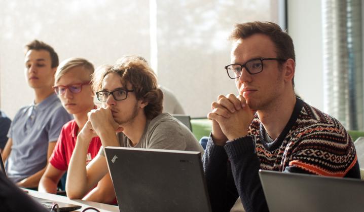 """""""Devbridge Group"""" įsteigtoje akademijoje programavimo žinias gilins VGTU studentai"""