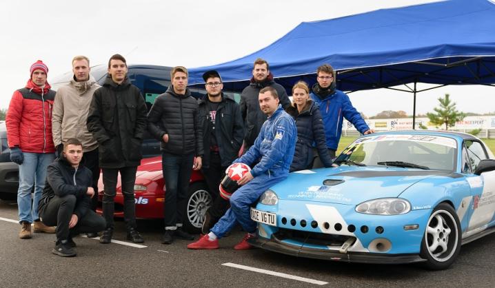 """""""Autoplius.lt Fast Lap"""" žiedinės lenktynės sėkmingos """"Race VGTU"""" komandai – laimėta 3 vieta"""