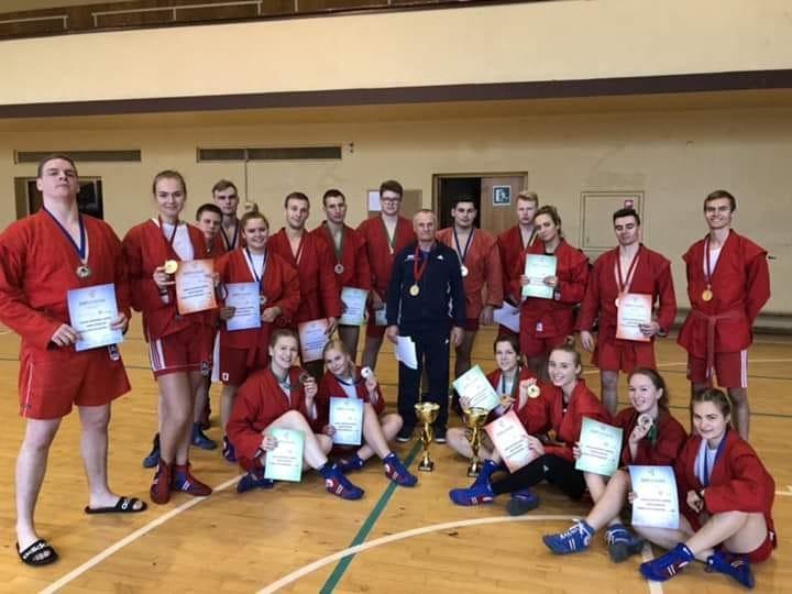 Sambo čempionate VGTU komanda iškovojo 20 medalių