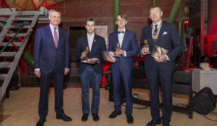Pramonininkų šventiniame renginyje apdovanoti VGTU profesoriai ir doktorantas