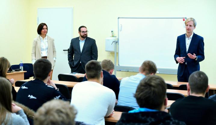 VGTU AGAI plečia skrydžių valdymo studentų karjeros galimybes