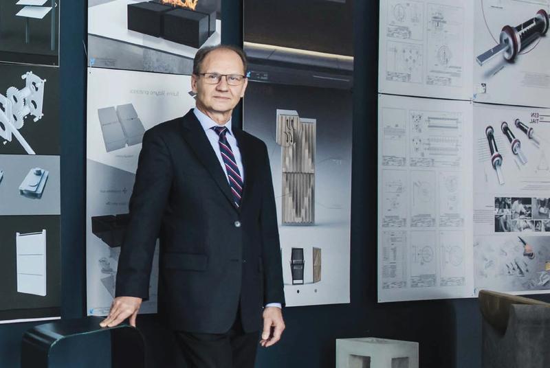 """Dizaino katedros vedėjo prof. Jono Jakaičio interviu """"Sapere Aude"""" žurnale"""