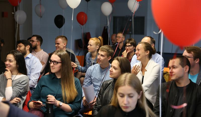Programoje DEMOLA studentai kviečiami atskleisti talentą ir kaupti darbo patirtį