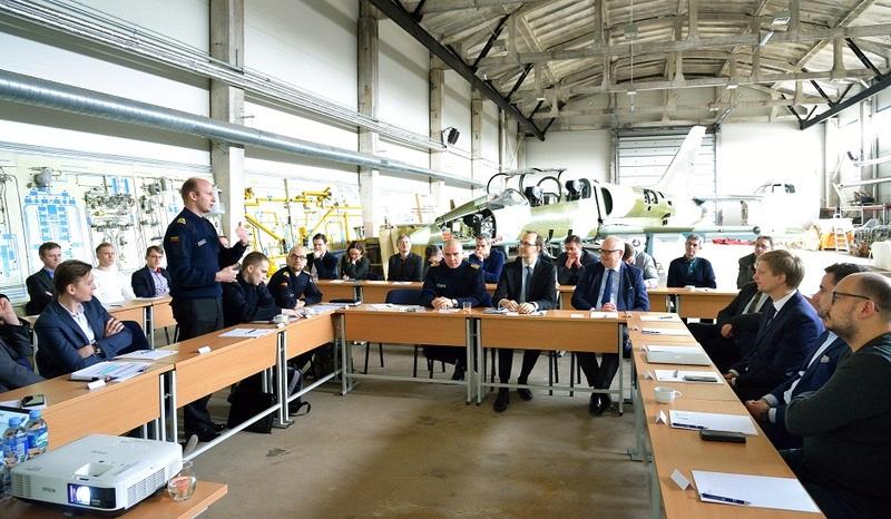 Apskritojo stalo diskusijoje aptarti karinio jūrų laivyno poreikiai ir prioritetai