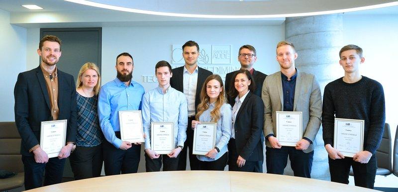 """UAB """"Eika"""" vardinių stipendijų įteikimas pažangiausiems Statybos fakulteto studentams"""