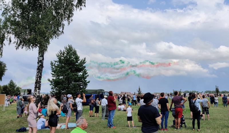 """Aviacijos šventė """"Sakalo sparnai 2019"""": VGTU atstovai kvietė išmėginti AGAI skrydžio simuliatorių"""