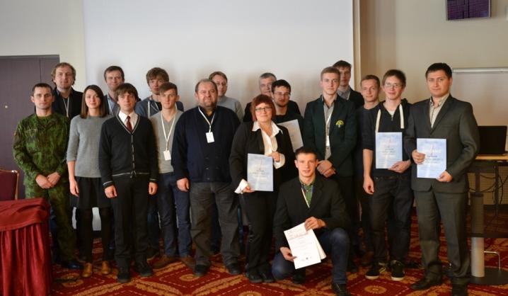 VGTU studentai apdovanoti mokomųjų palydovų ir bepiločių orlaivių konkurse