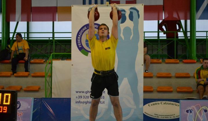 VGTU studentas ruošiasi svarsčių kilnojimo pasaulio čempionatui
