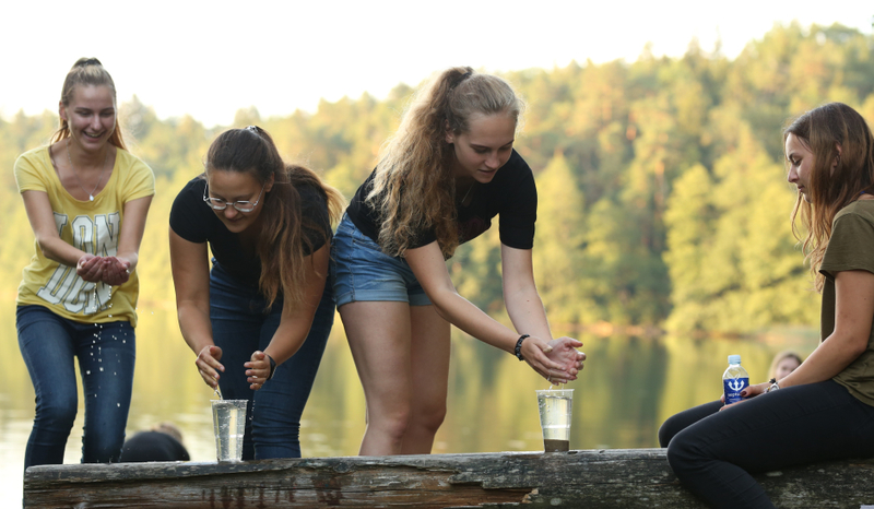 """VGTU akademinio choro """"Gabija"""" nariai dalyvavo tradicinėje tapusioje stovykloje"""