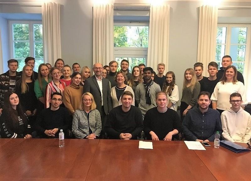 Studentų vizitas Danijos ambasadoje