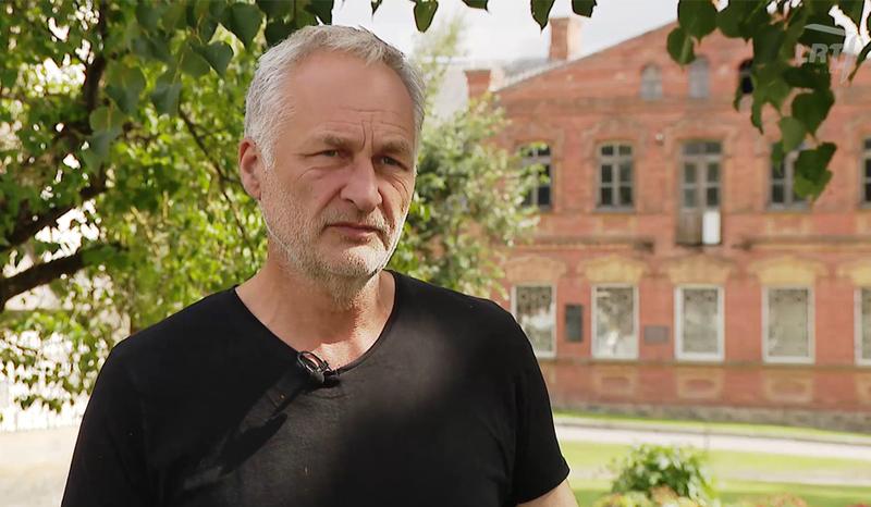 """Fakulteto dėstytojas Dalius Vrubliauskas LRT Plius laidoje """"Atspindžiai. Paveldo kolekcija"""""""
