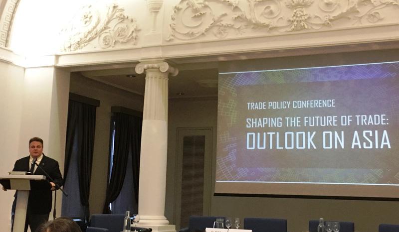 """Studentai dalyvavo tarptautinėje prekybos konferencijoje """"Shaping the Future of Trade: Outlook on Asia"""""""