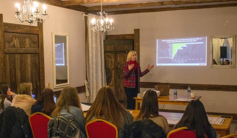 Vadybos katedros lektorė dr. Jolanta Solnyškinienė studentams vedė teorinius-praktinius seminarus