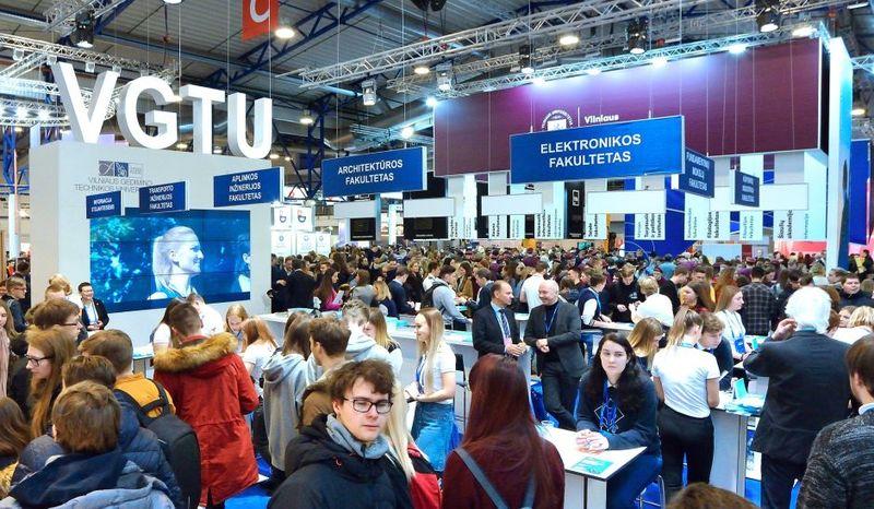 """VGTU kviečia susitikti parodoje """"Studijos 2020"""""""