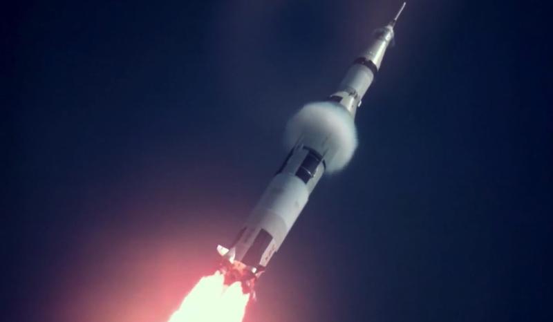 """""""Mokslo sriuba"""": raketa, kuria astronautai pasiekė Mėnulį, priminė skraidančią bombą"""