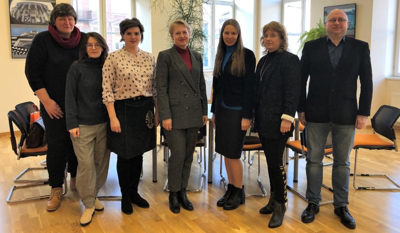 VGTU KIF pasirašė bendradarbiavimo sutartį su Lietuvos rusų dramos teatru
