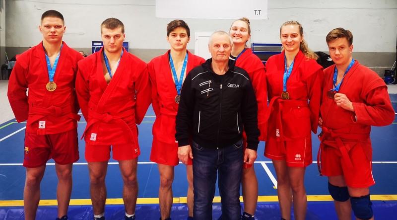 Vilniaus m. sambo imtynių čempionate iškovoti 6 medaliai