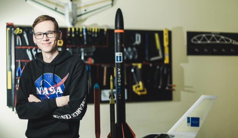 Bepiločių orlaivių idėjos užvaldyto VGTU studento darbus pastebėjo ir NASA