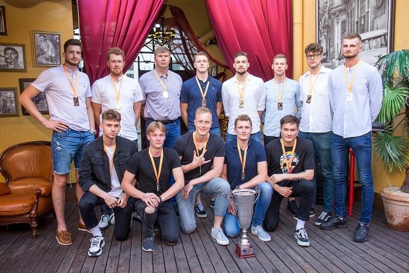 VGTU krepšinio rinktinė Sostinės krepšinio lygoje iškovojo sidabro medalius