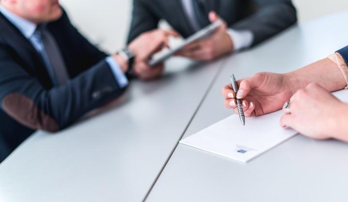 Kvietimas studentams pasirašyti valstybės remiamų paskolų sutartis