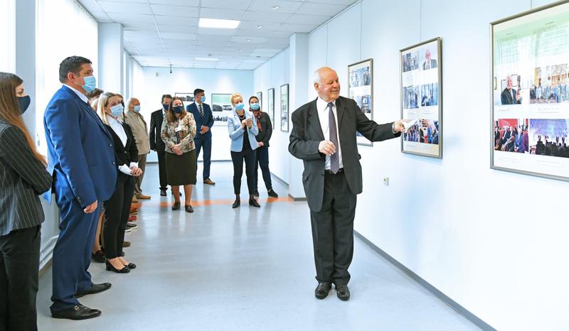 Vilnius Tech bibliotekoje atidaryta prof. habil. dr. P. Baltrėno paroda