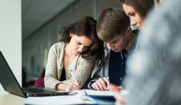 Kaip rašyti CV, jei neturi patirties?