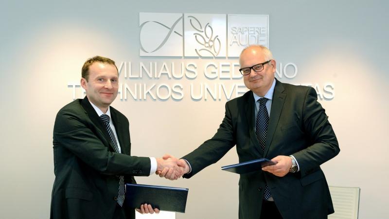 """Nuo šiandien VGTU ir AB """"Akmenės cementas"""" – oficialūs partneriai"""