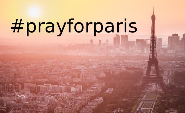 Tylos minute pagerbkime Paryžiaus tragedijos aukas