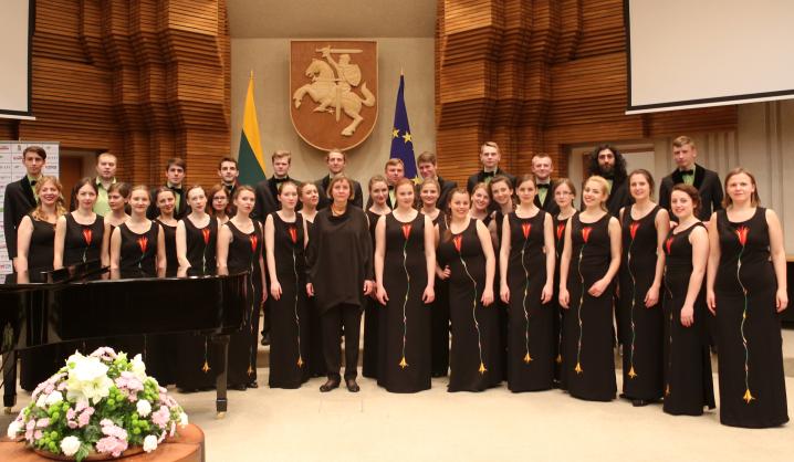 """VGTU choras """"Gabija"""" koncertavo LR Vyriausybėje"""