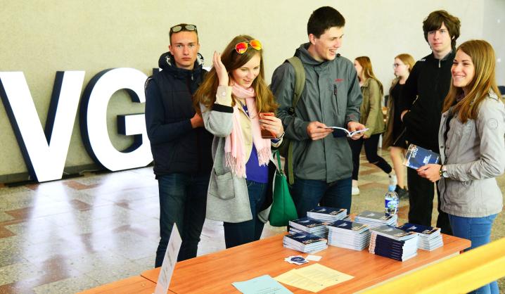 Universitete rinkosi kartu su VGTU ateitį norintys kurti moksleiviai
