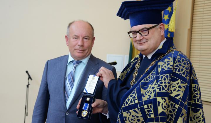VGTU'60 proga apdovanoti universitetui nusipelnę bendruomenės nariai
