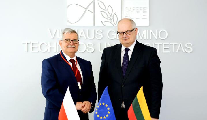 VGTU atnaujino sutartį su Poznanės technologijos universitetu