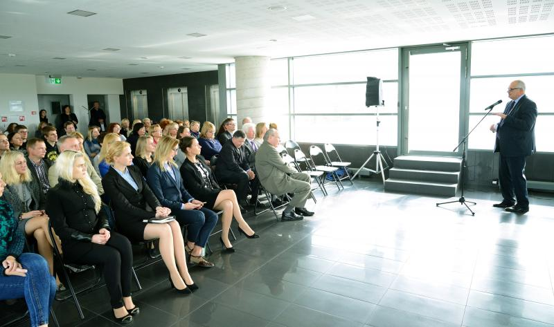 """Pirmoji """"Pertrauka su rektoriumi"""": VGTU aktualijų pristatymas ir svarbūs klausimai"""