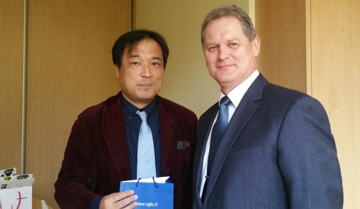 VGTU paskaitas skaitė svečias iš Japonijos