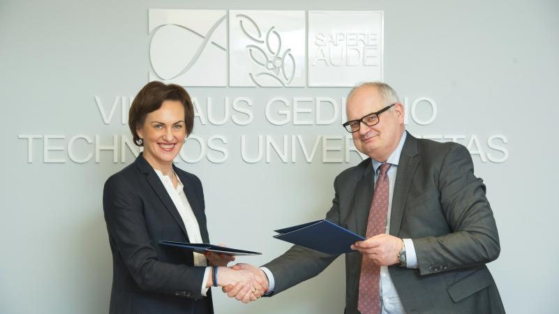 """VGTU pasirašė bendradarbiavimo sutartį su """"DNB banku"""""""