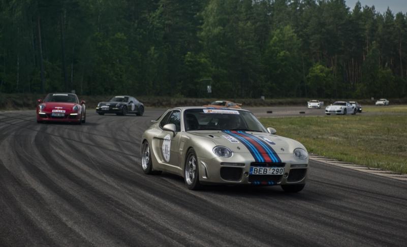 """""""Porsche klubo Lietuva"""" vardinės stipendijos laimėtojo diena """"Porsche"""" asociacijos renginyje"""