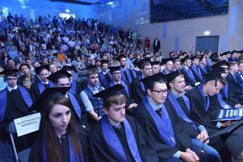 VGTU Elektronikos fakulteto diplomų įteikimo šventės akimirkos