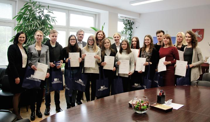 Apdovanoti Konstitucijos egzamine sėkmingai pasirodę VGTU bendruomenės nariai