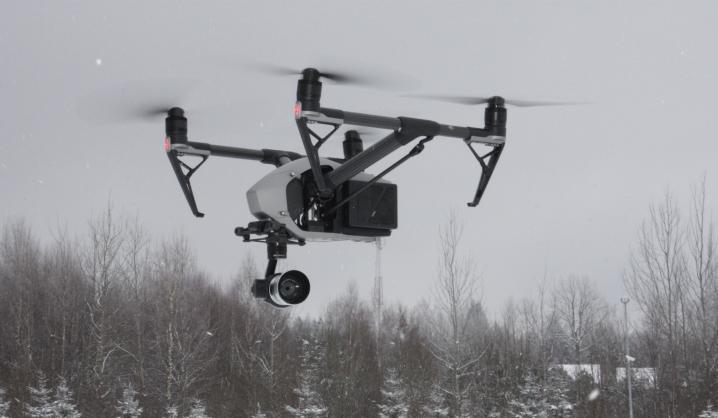 VGTU AGAI specialistai mokys pasieniečius kaip elgtis su dronais