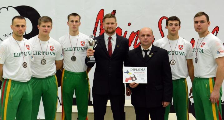 VGTU studentas iš pasaulio svarsčių kilnojimo čempionato grįžo su medaliu